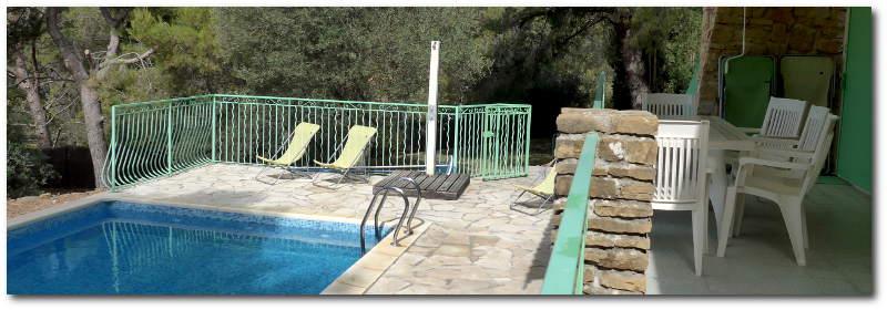 """villa terre brulee terrasse sud 1 800x280 - """"Villa Terre-Brûlée"""" vous accueille tout près des calanques..."""